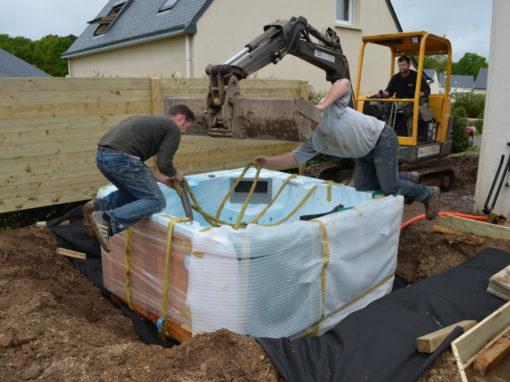 Installation d'un spa terasse bois ker mano services à Hennebont (17)