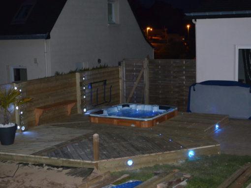 Installation d'un spa terasse bois ker mano services à Hennebont (22)