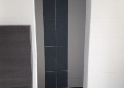 salle-de-bain-sous-comble-baignoire-Ker-mano-services-hennebont-4-400×284