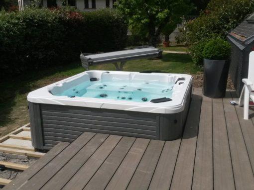 Terasse composite et pose d'un spa à Ploemeur dans le Morbihan (3)